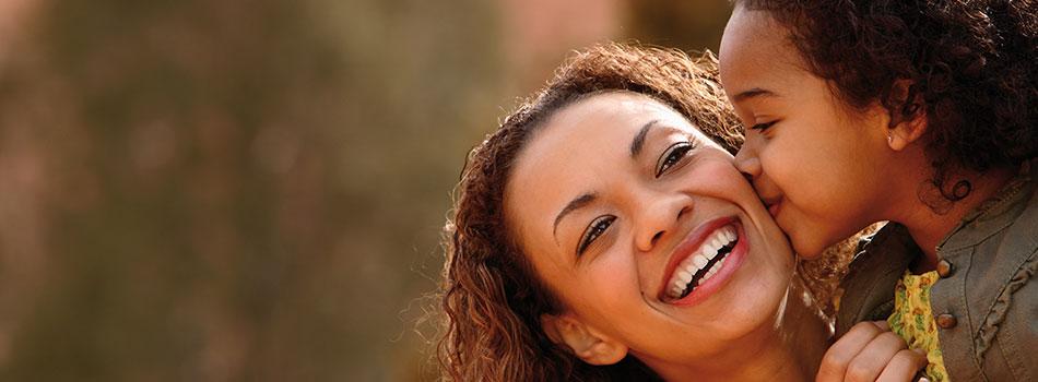 Naturlig anti-aging hudplejerutine mod rynker og poser under øjnene